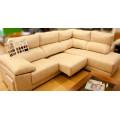Sofá chaise longue en piel con asientos extraíbles y 2 puffs