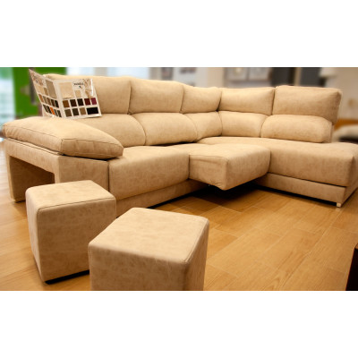 Sofá chaise longue con asientos extraíbles y 2 puffs