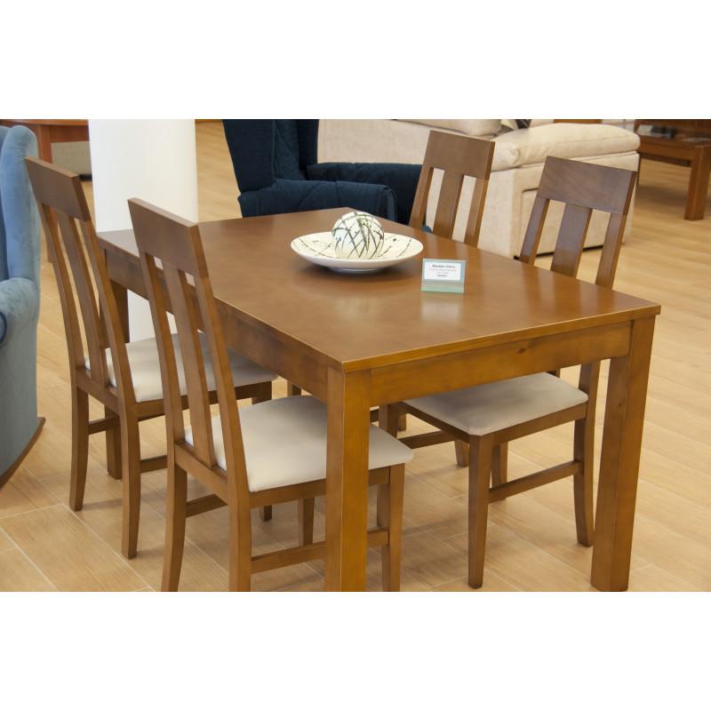 Mesa de comedor extensible de madera natural con juego de cuatro sillas for Comedor 4 sillas madera